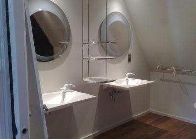 Vasque-et-miroir-signé-Starck.-Brest-400x284