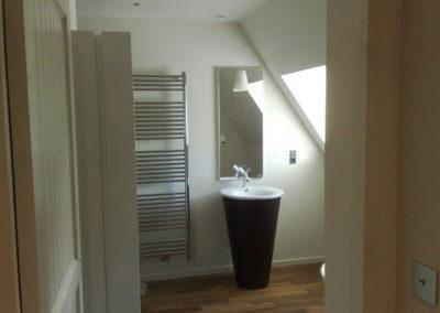 Salle-de-bain-après-travaux.-LANNILIS-400x284